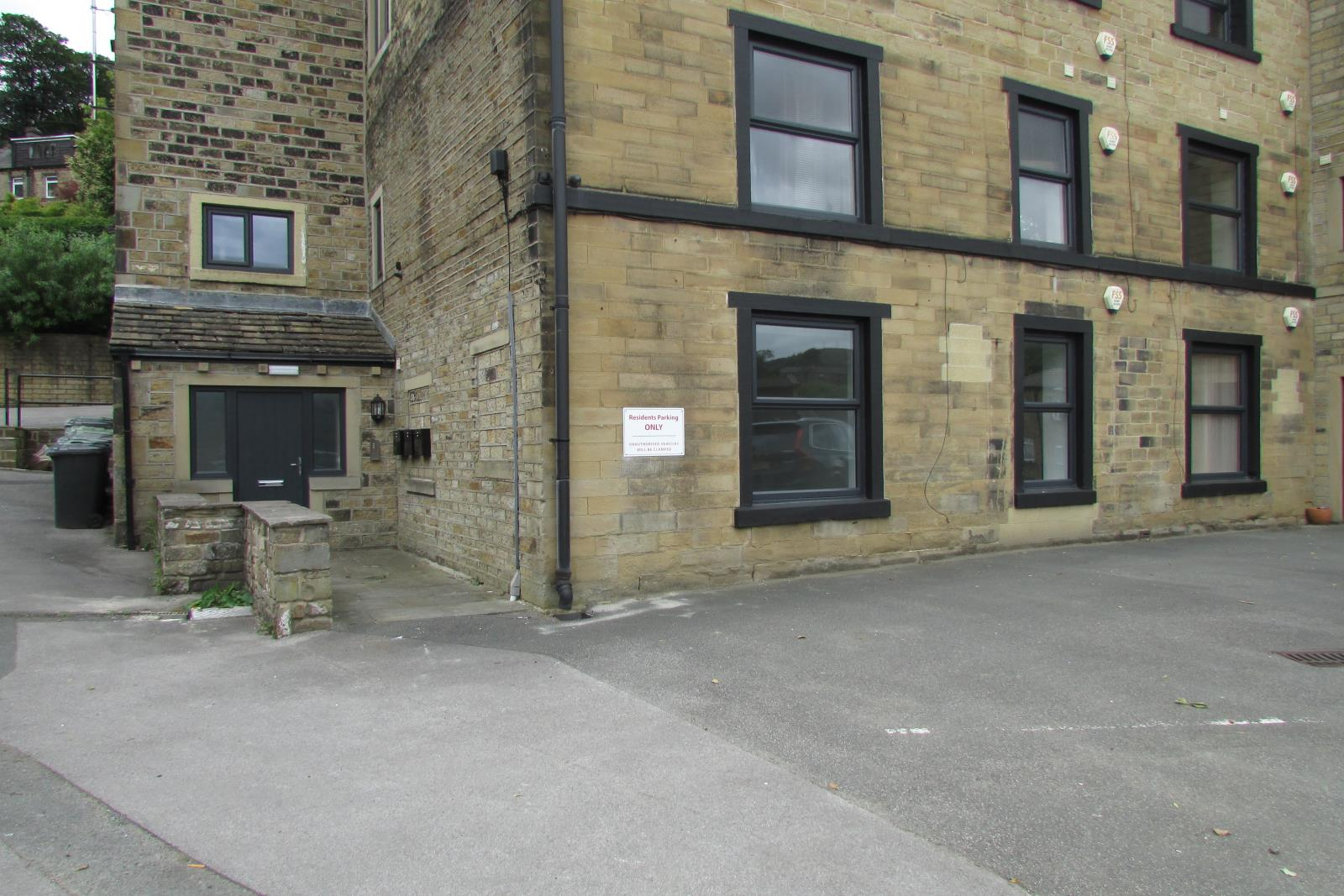 Apt 1 The Oaks, Thongsbridge, Holmfirth HD9