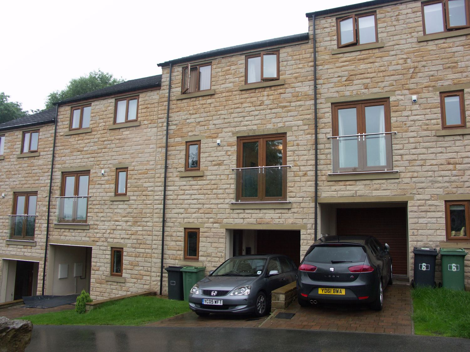 5 Thistle Heights, Huddersfield, HD8 0GN