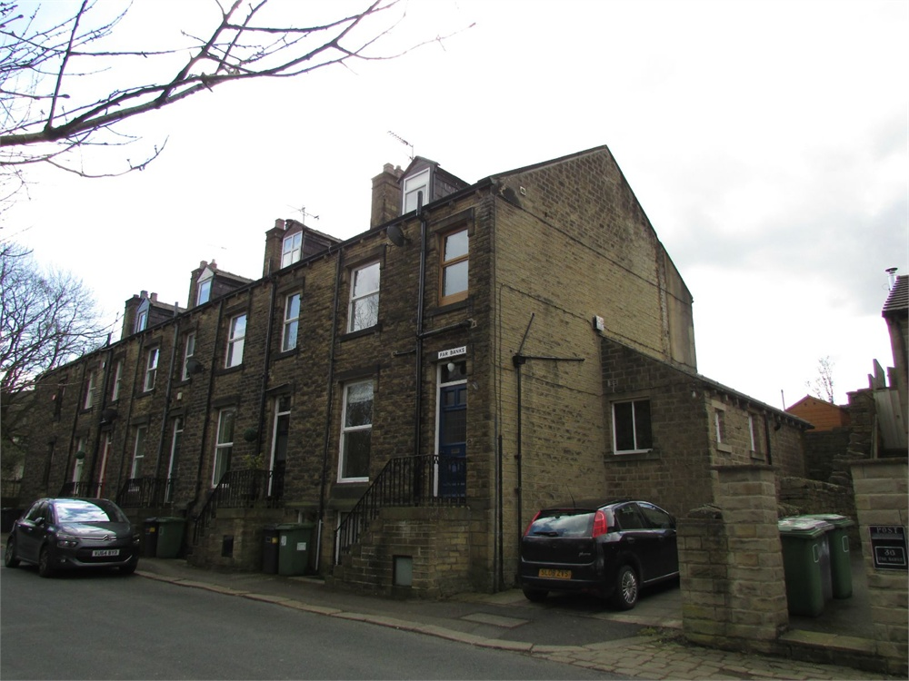 40 Far Banks Honley, Holmfirth, HD9 6NW