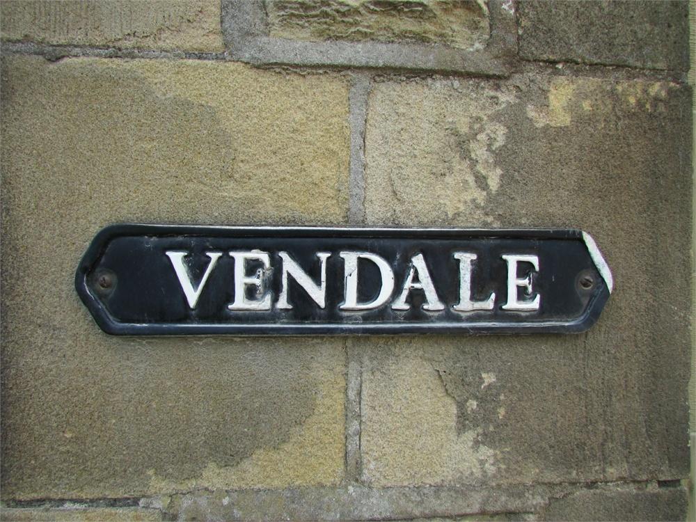 Vendale, Cinderhills Road, Holmfirth HD9 1EH