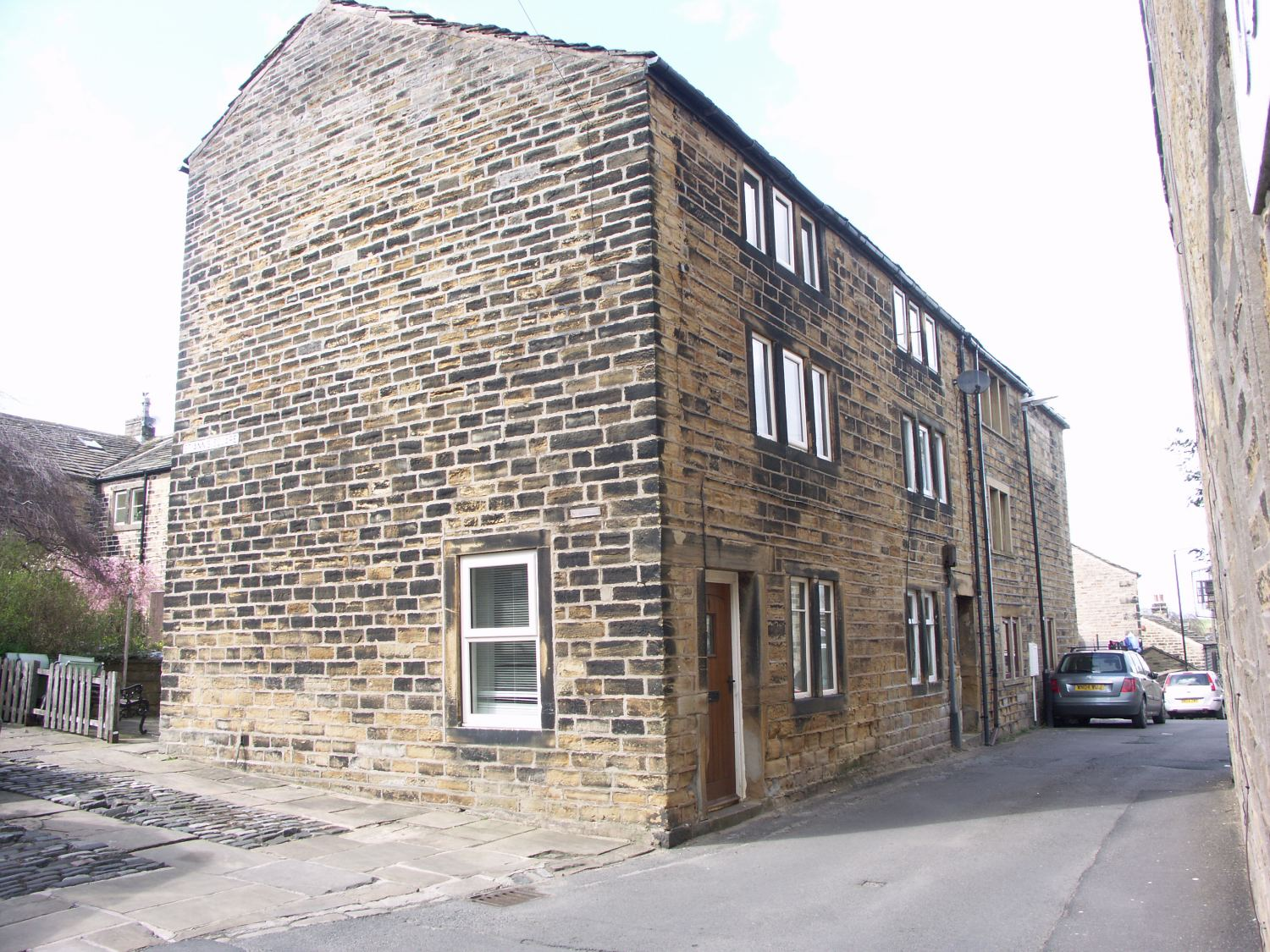 1 Out Lane, Netherthong, Holmfirth, HD9 3EQ