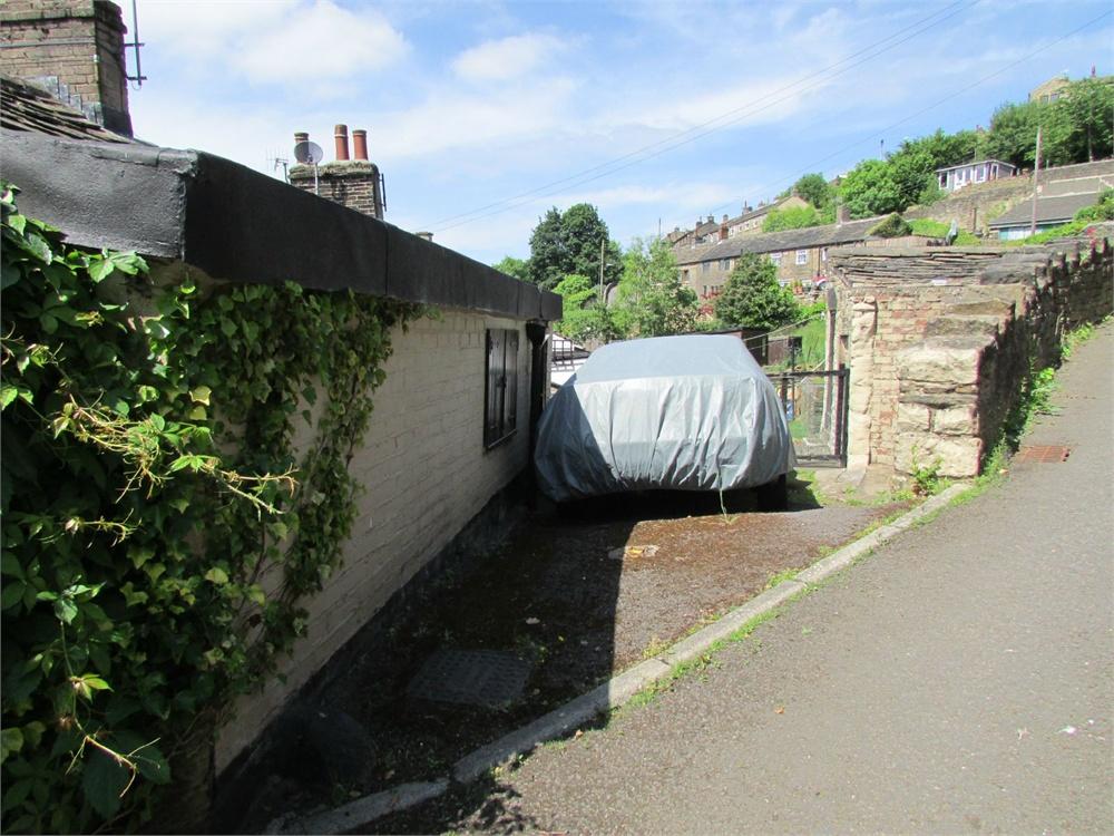 35 Underbank Old Road, Holmfirth HD9 1EA