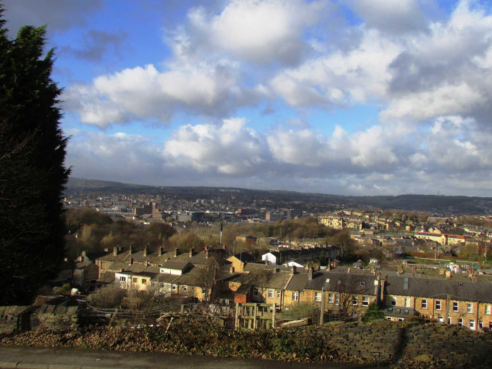 24 Forest Road Almondbury, Huddersfield, West Yorkshire HD5 8EU
