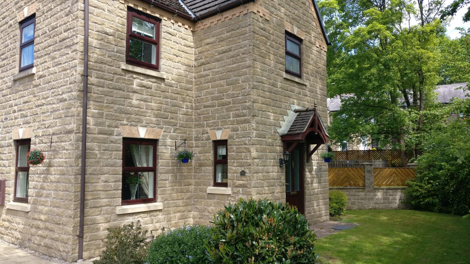 12 Mereside, Waterloo, Huddersfield, HD5 8SX