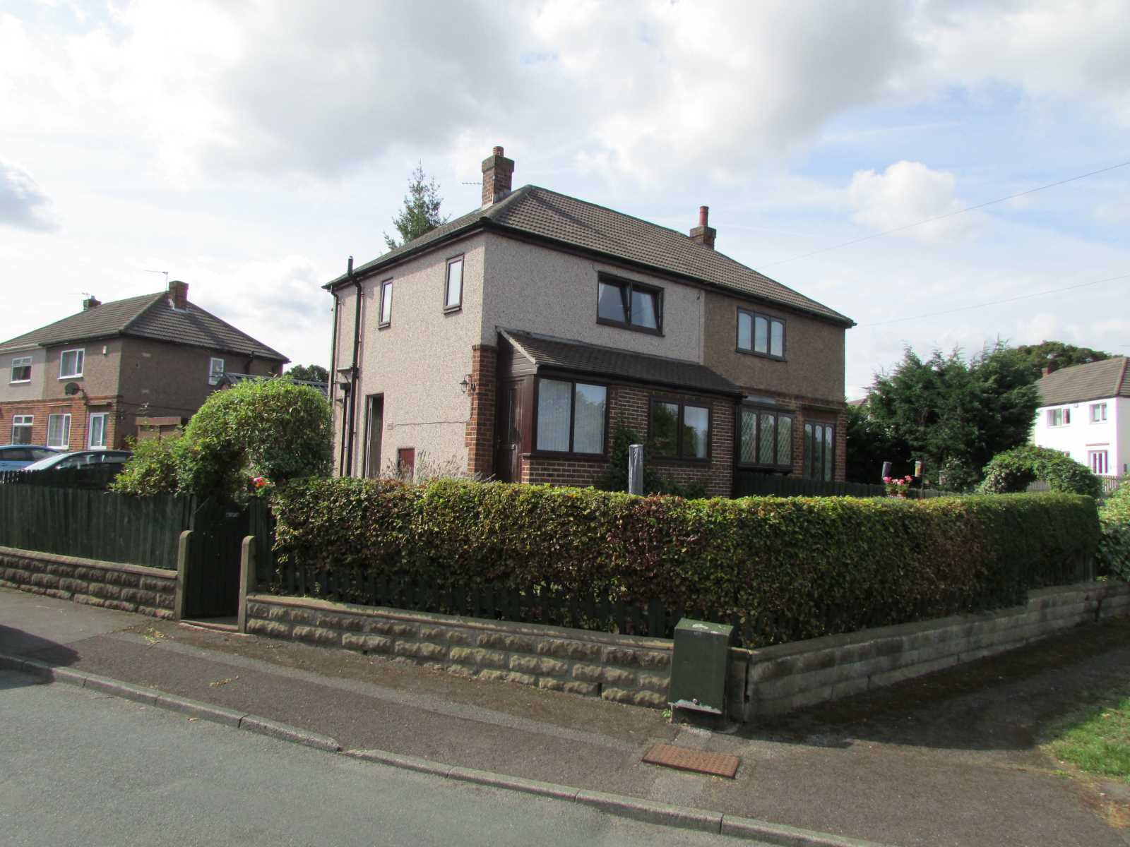 33 Woodedge Avenue, Huddersfield, HD5 9UX, UK