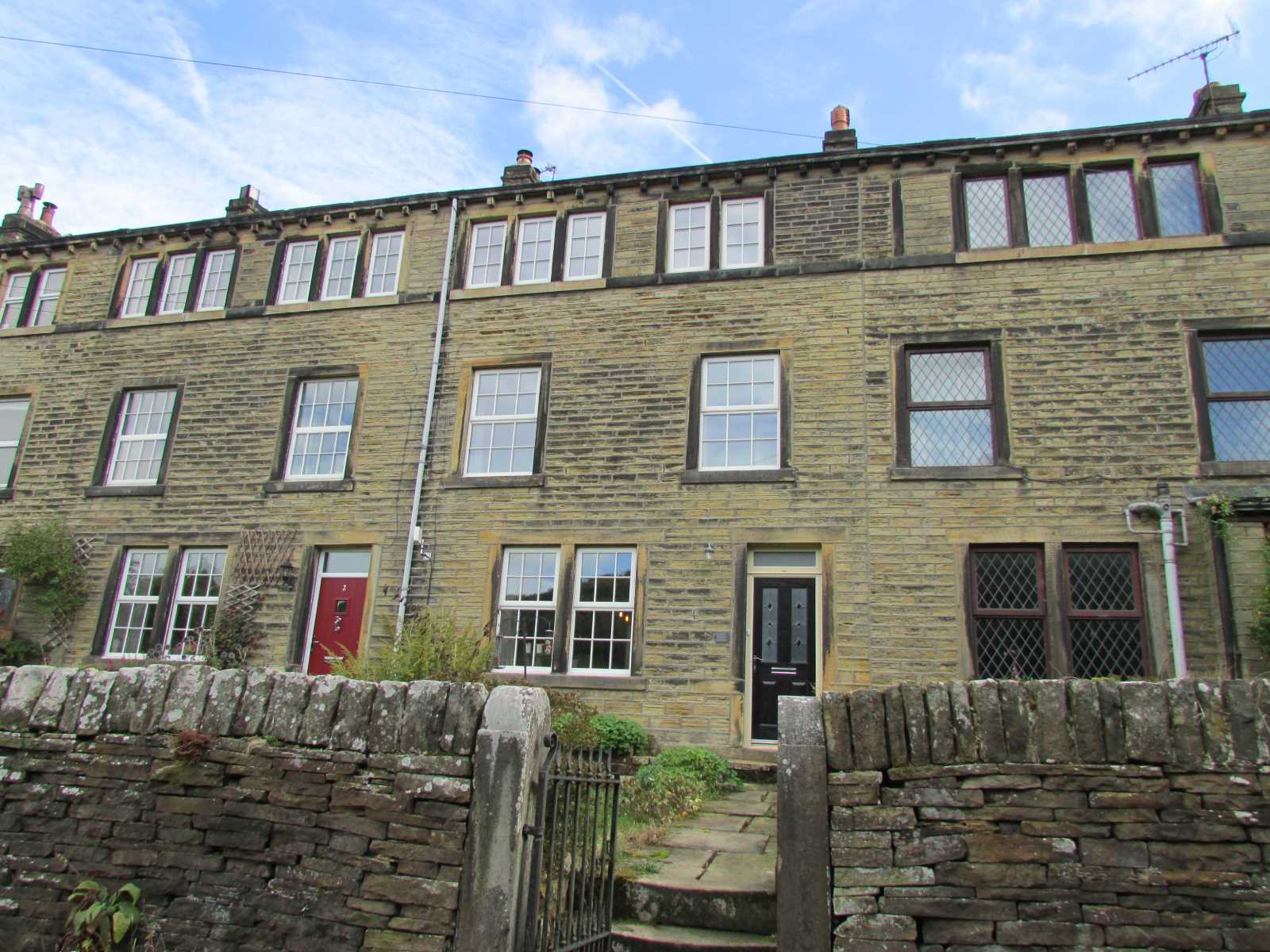 3 Choppards Buildings, Choppards Lane, Holmfirth  HD9 2RW