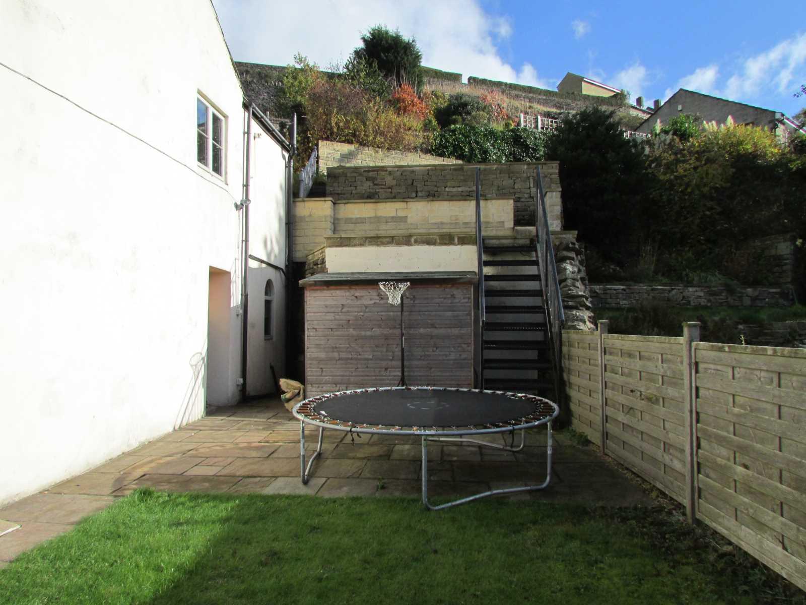 3 Well Hill,  Underbank, Holmfirth, HD9 1EG