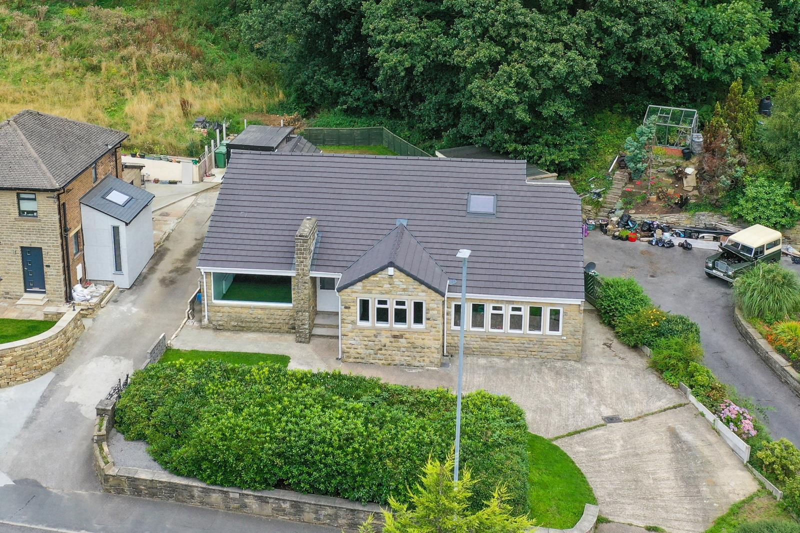 Greenacres, 124a Greenfield Road, Holmfirth, HD9 2LP
