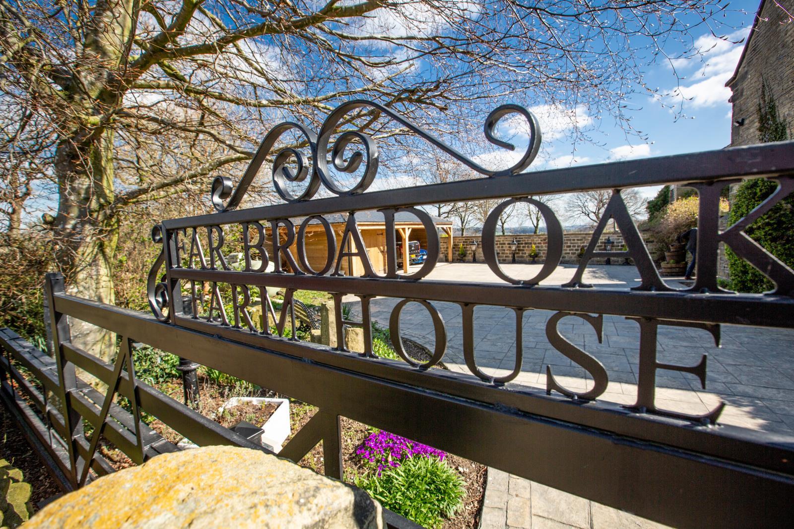 Far Broad Oak Farmhouse, Gunthwaite, S36 7GE