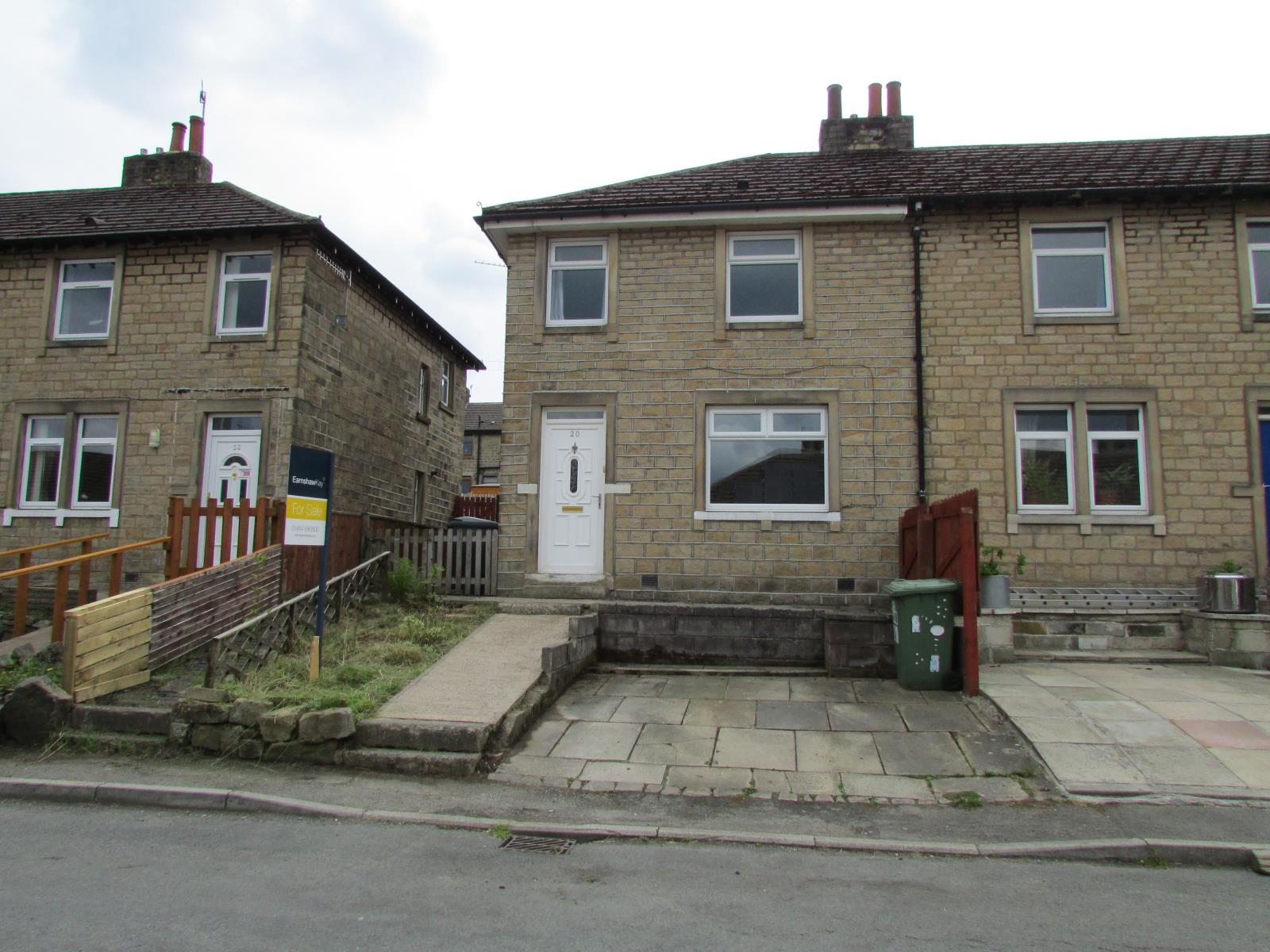 20 Elm Avenue, Thongsbridge, Holmfirth, HD9 7ST