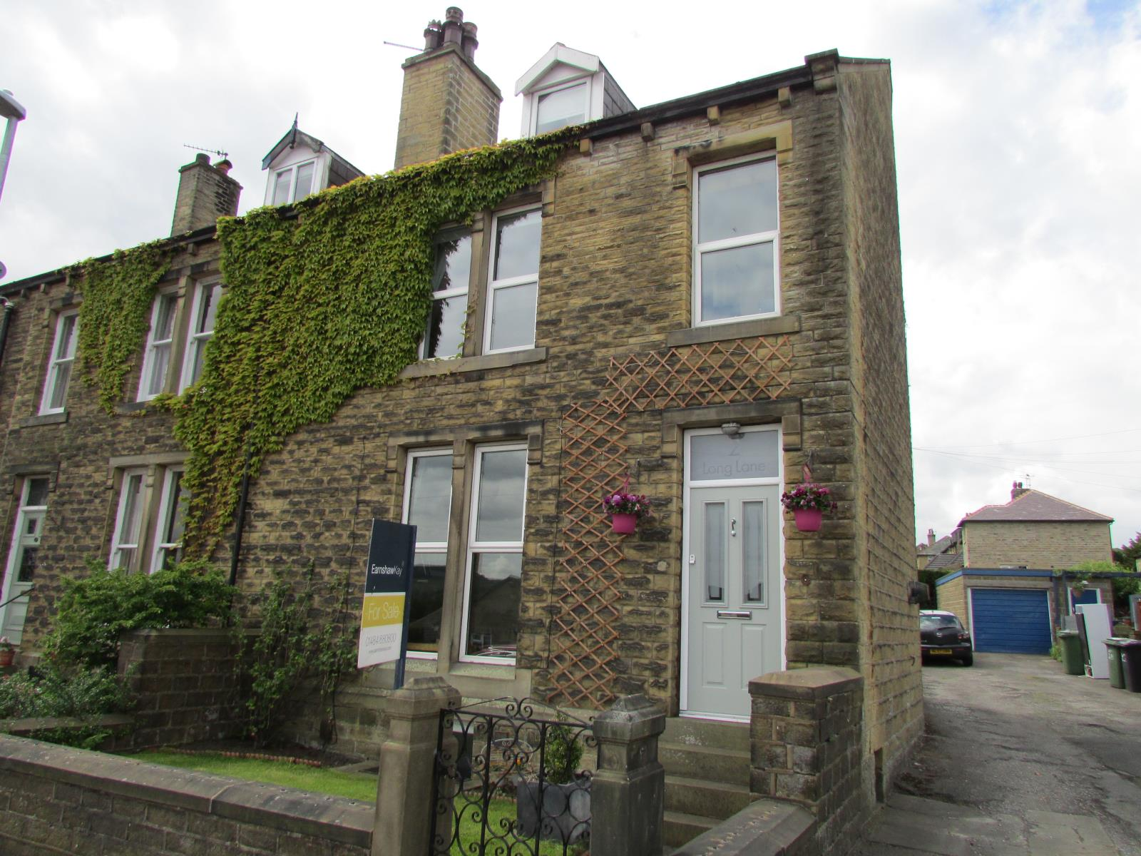 2 Long Lane, Honley, HD9 6EA
