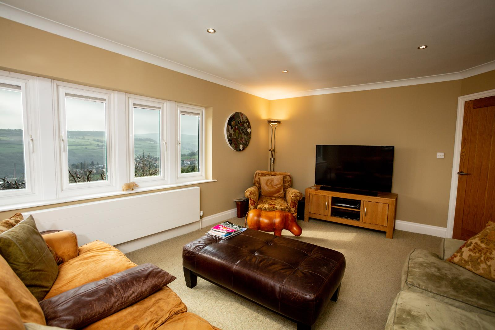 28 Allergill Park, Upperthong, Holmfirth, West Yorkshire HD9 3XH