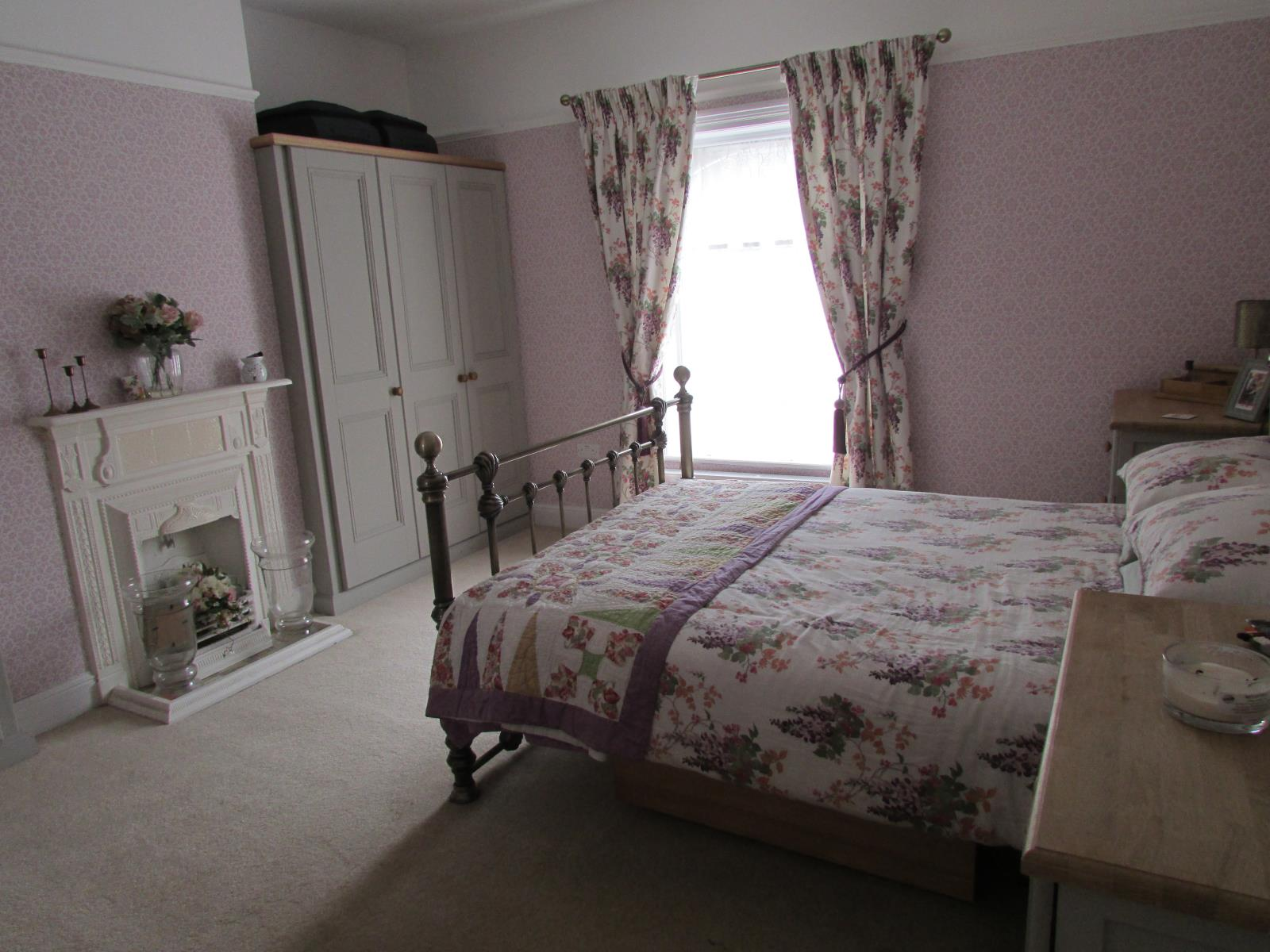 26 Wormald Street Almondbury, Huddersfield, West Yorkshire HD5 8NQ, UK