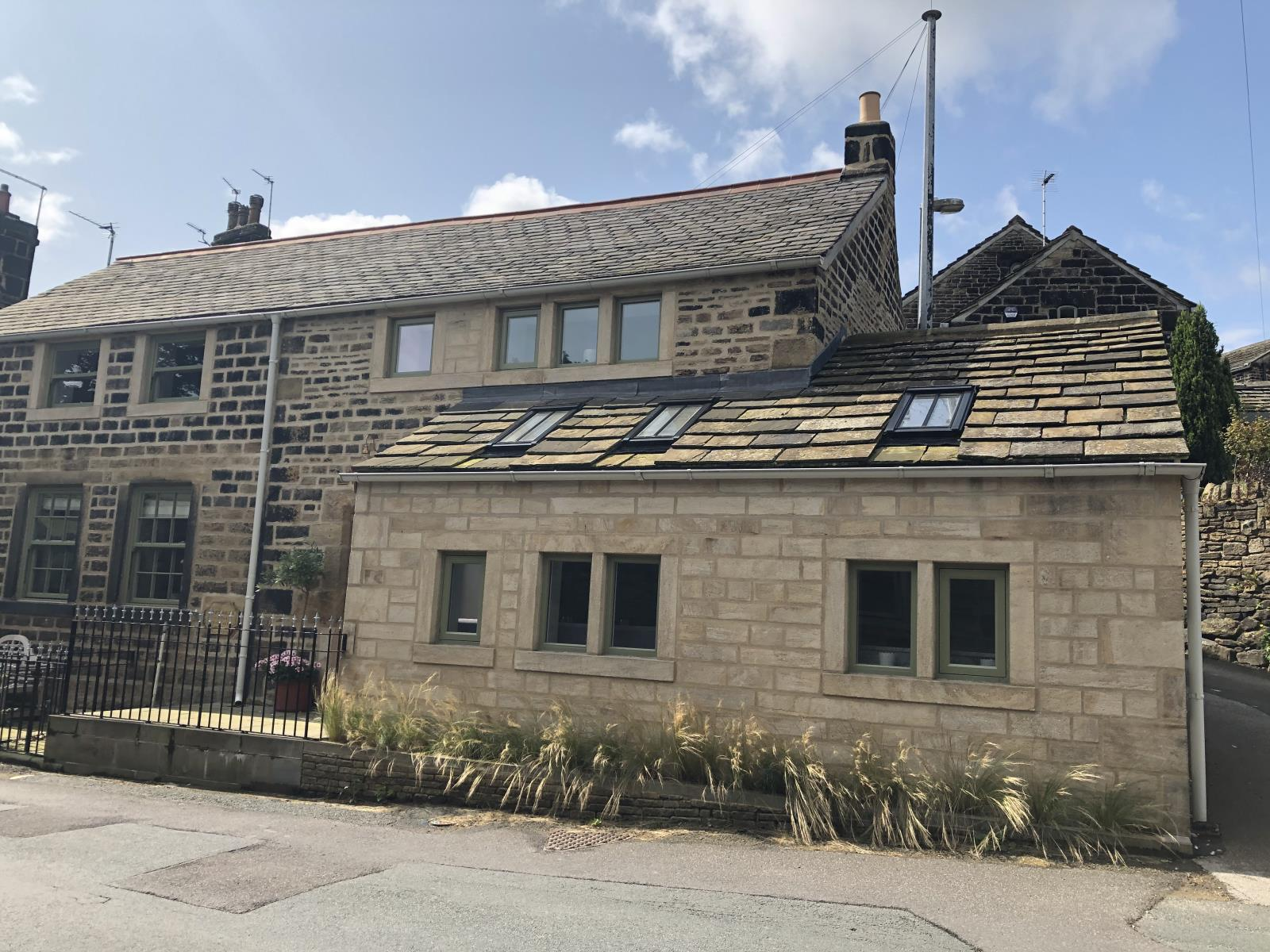 School Cottage, 56 Towngate, Hepworth, HD9 1TE