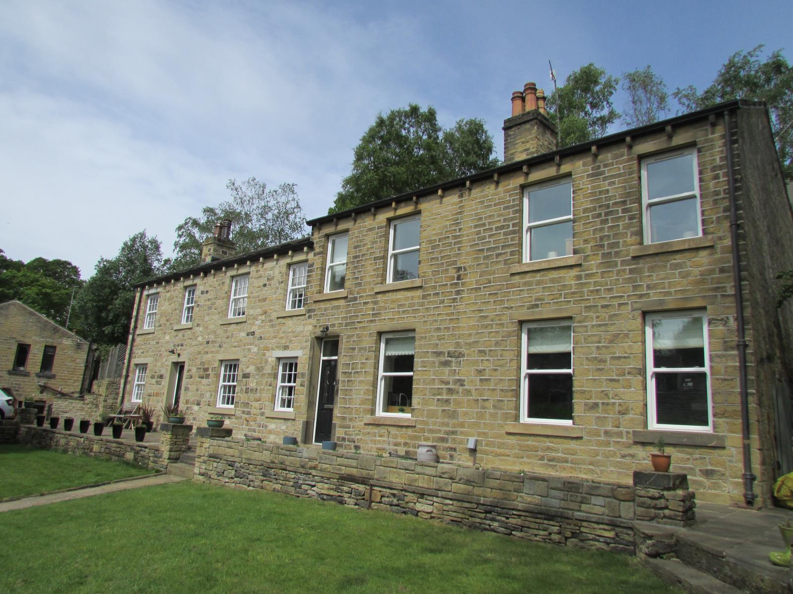 44 Thirstin Road, Honley, Holmfirth, HD9 6JG