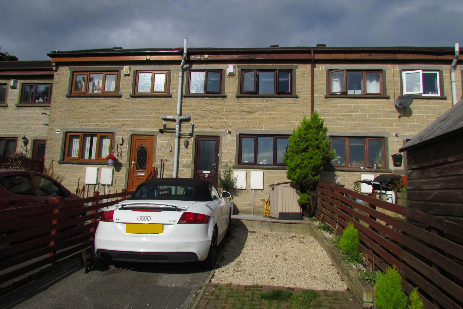 7 Brook Gardens, Meltham, Holmfirth  HD9 5RX