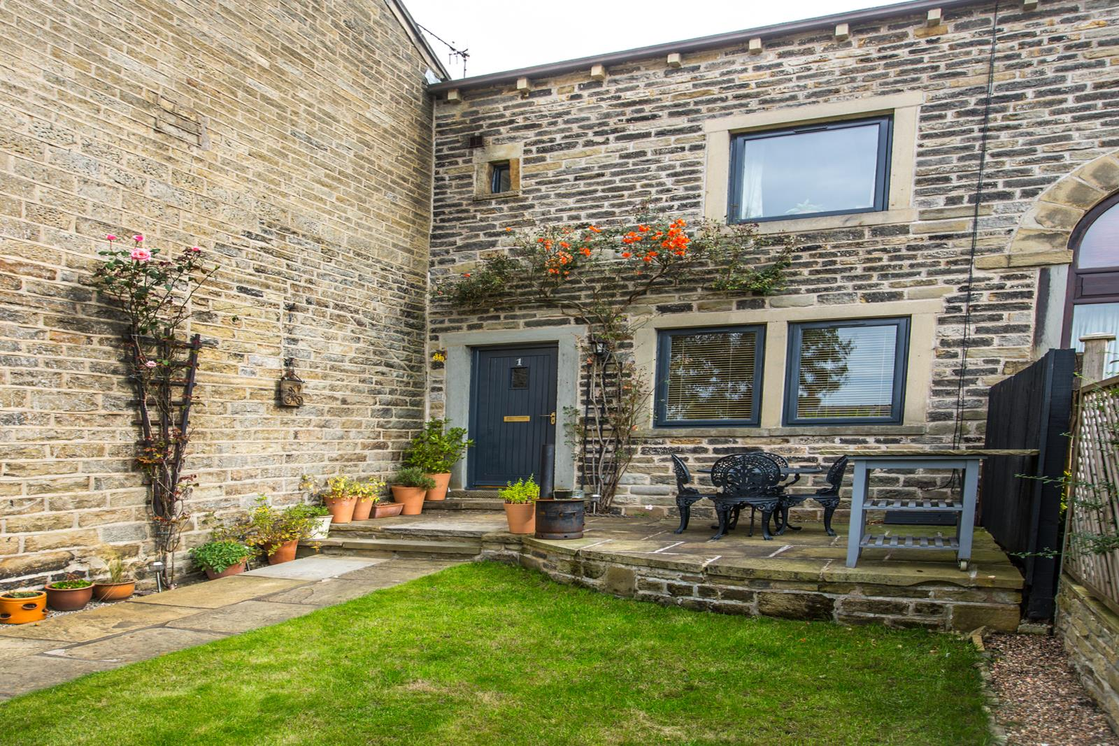 1 The Barn, Hall Ing Lane, Honley HD9 6QX