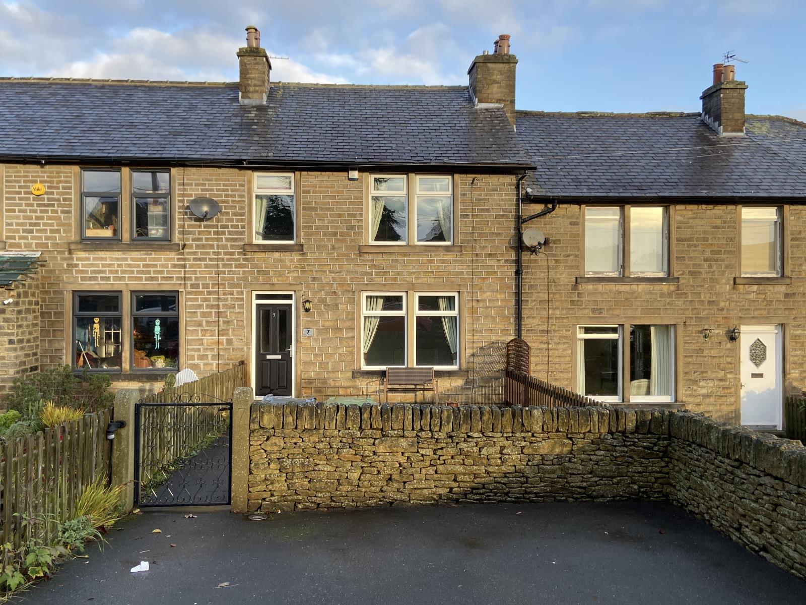 7 Norton Terrace, Stocksmoor, Huddersfield, HD4 6XJ