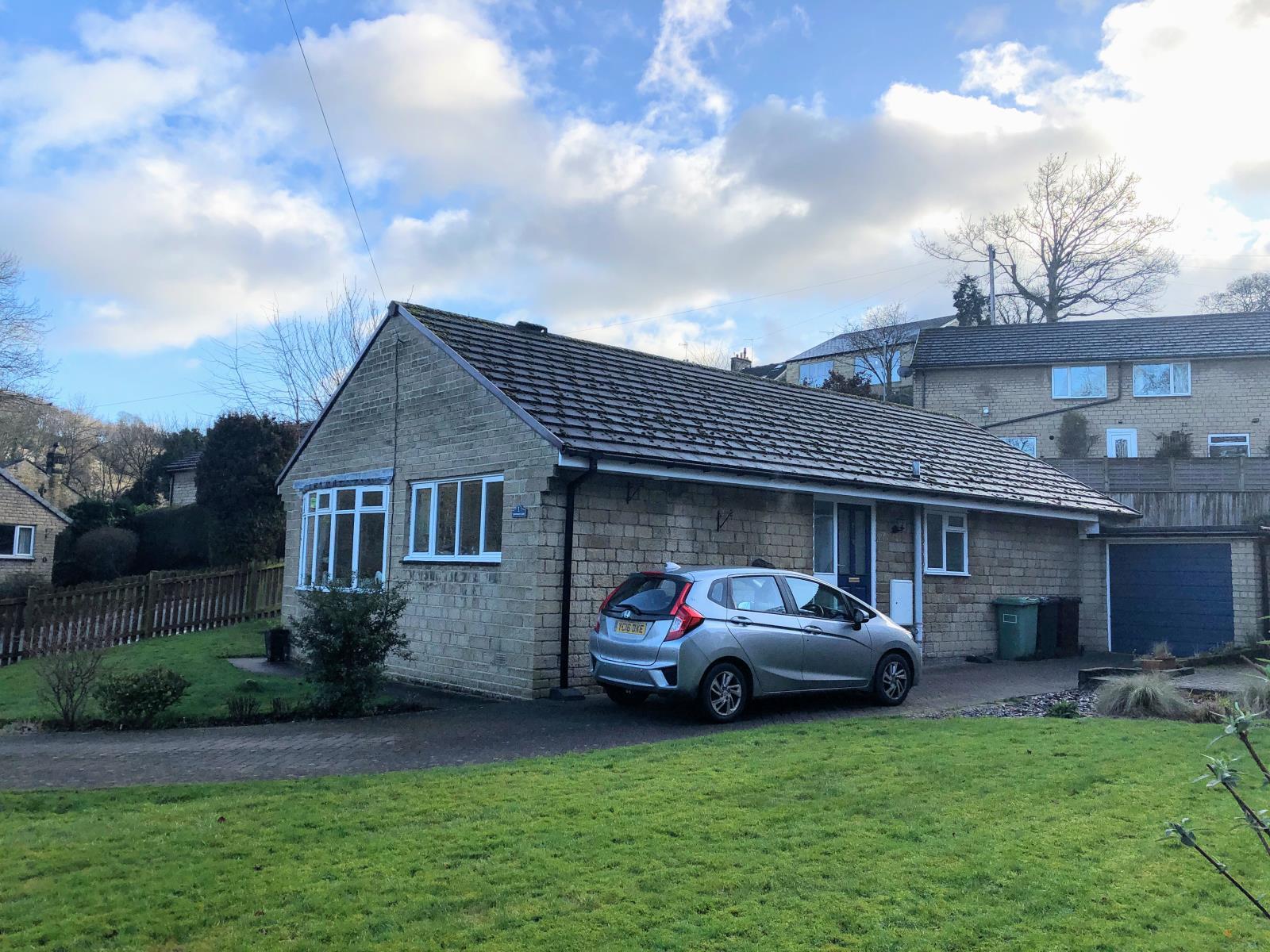 1 Lingwood Close, New Mill, Holmfirth, HD9 7NN