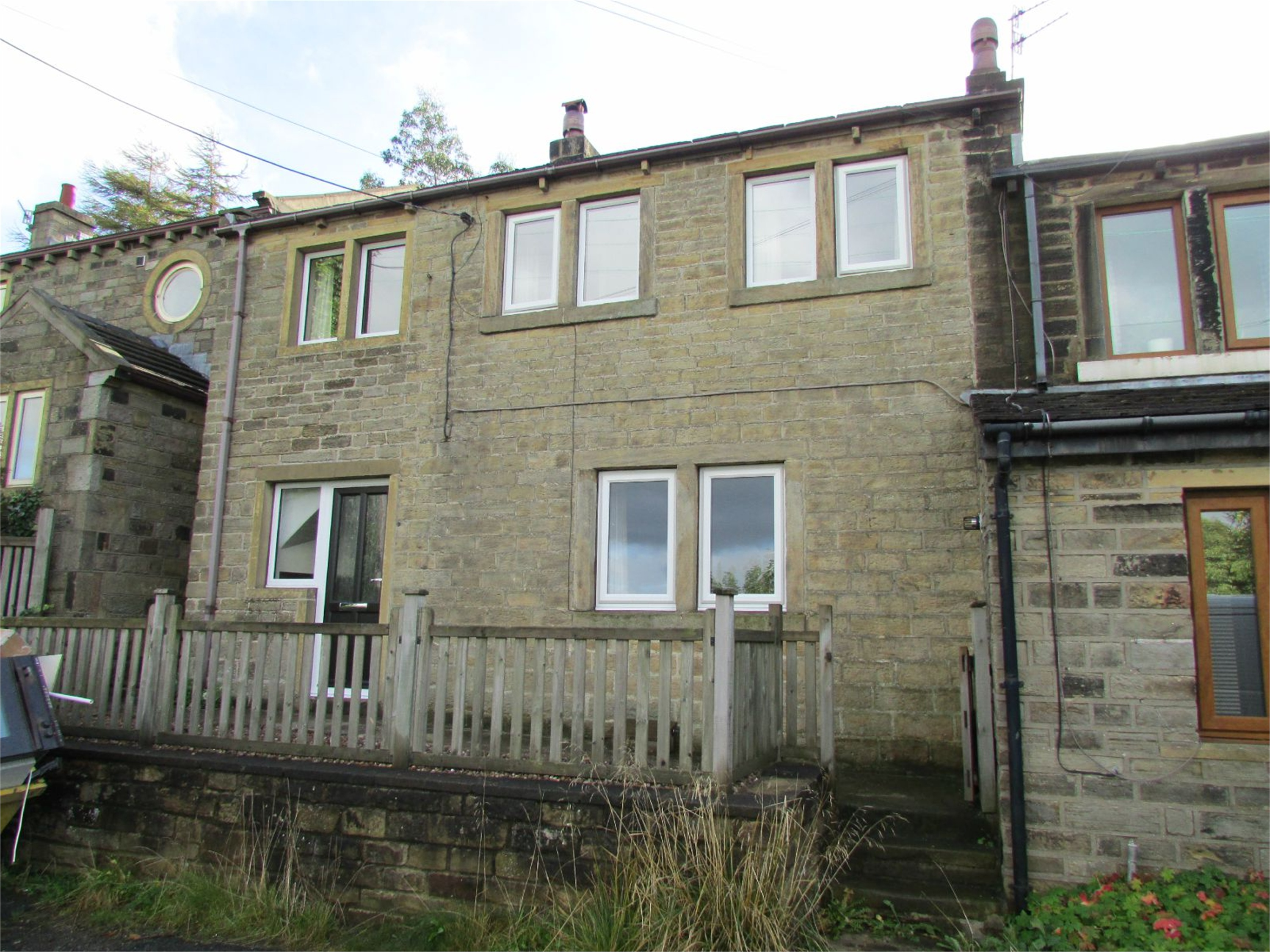 90 Cliff Road, Holmfirth, HD9 1UZ